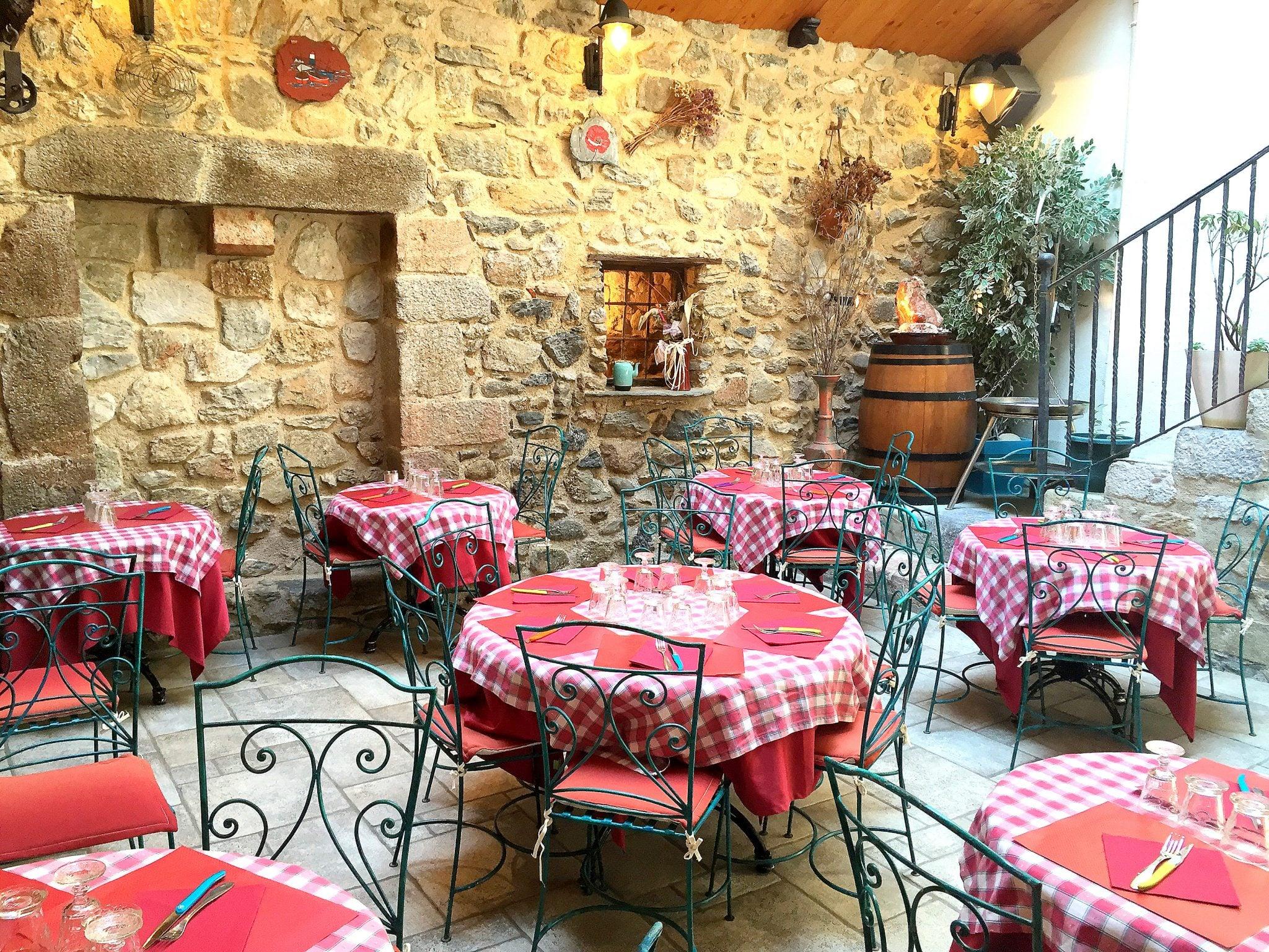 Cuisine traditionnelle sp cialit s catalanes villefranche de conflent restaurant le patio - Le patio restaurant montreuil sur mer ...